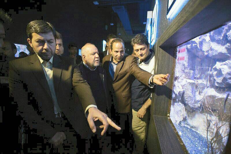 بازدید وزیر نفت از آکواریوم اصفهان